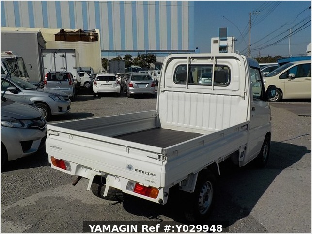 It is a picture of the white mitsubishi minicab truck in 2002,Sub Photo 2 Stock No.Y029948