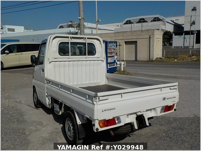 It is a picture of the white mitsubishi minicab truck in 2002,Sub Photo 3 Stock No.Y029948