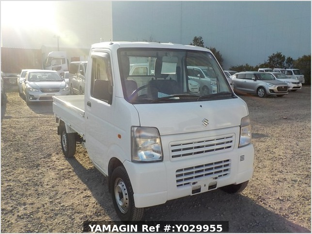 It is a picture of the white suzuki carry truck in 2012,Sub Photo 0 Stock No.Y029955