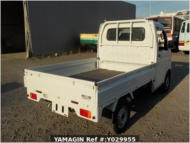 It is a picture of the white suzuki carry truck in 2012,Sub Photo 2 Stock No.Y029955