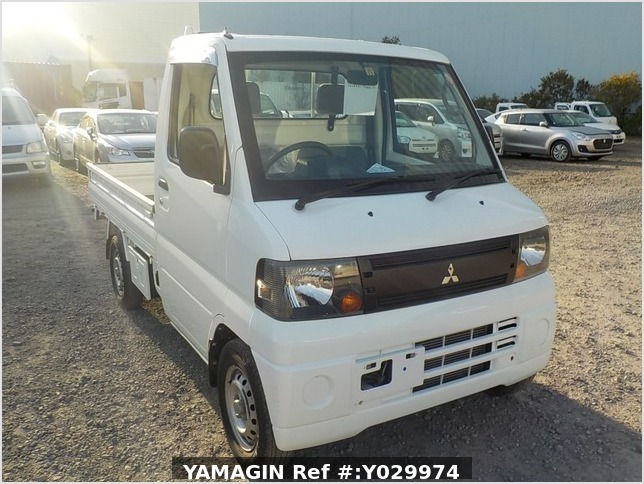 It is a picture of the white mitsubishi minicab truck in 2008,Sub Photo 0 Stock No.Y029974