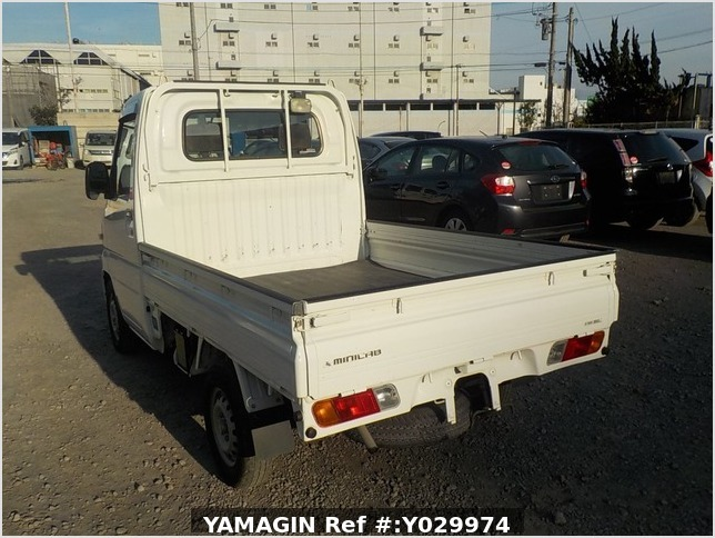 It is a picture of the white mitsubishi minicab truck in 2008,Sub Photo 3 Stock No.Y029974