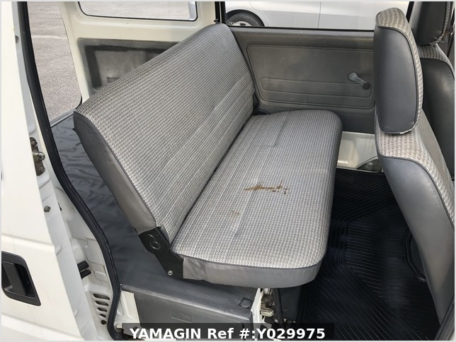 It is a picture of the white honda acty van passenger van in 1995,Sub Photo 9 Stock No.Y029975