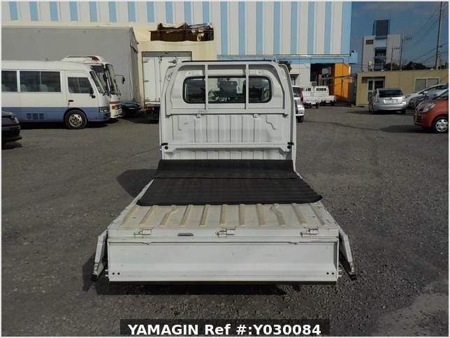 It is a picture of the white suzuki carry truck in 2008,Sub Photo 4 Stock No.Y030084