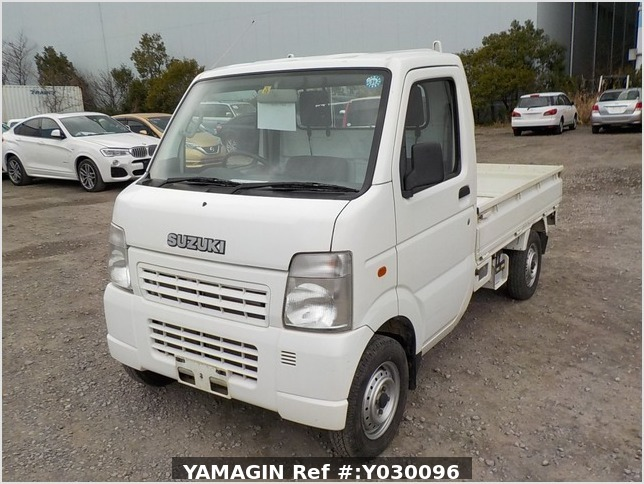 It is a picture of the white suzuki carry truck in 2004,Sub Photo 1 Stock No.Y030096