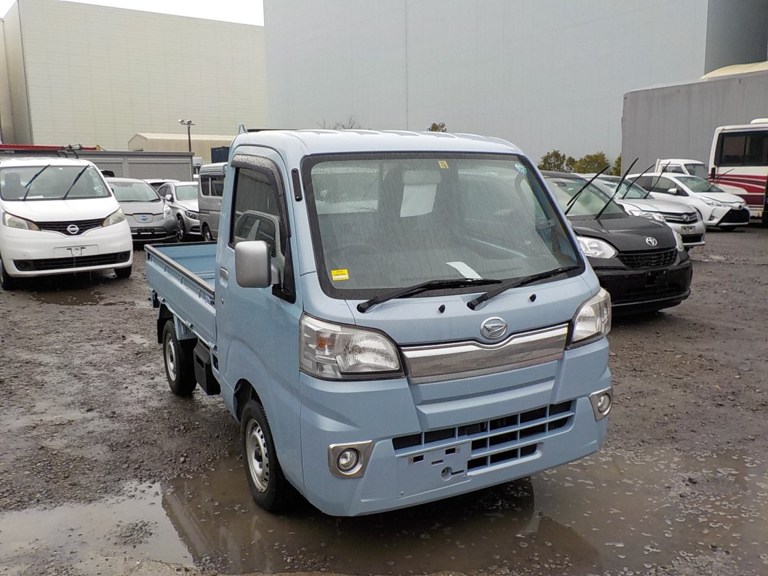 It is a picture of the blue daihatsu hijet truck in 2014,First Photo Stock No.Y030124
