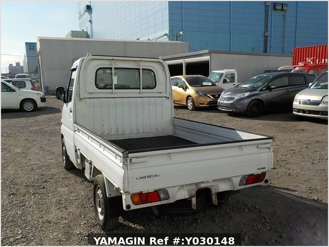 It is a picture of the white mitsubishi minicab truck in 2005,Sub Photo 3 Stock No.Y030148