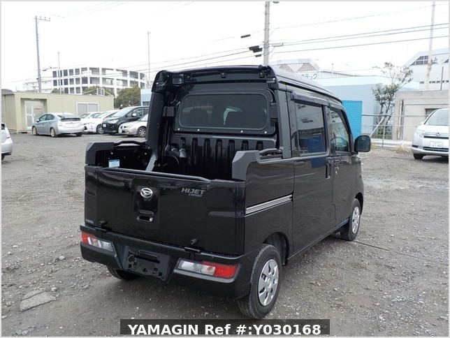 It is a picture of the black daihatsu hijet deck van in 2020,Sub Photo 2 Stock No.Y030168