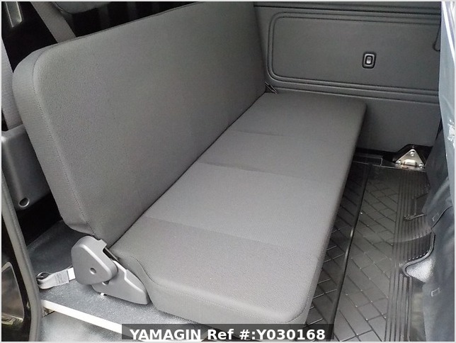 It is a picture of the black daihatsu hijet deck van in 2020,Sub Photo 6 Stock No.Y030168