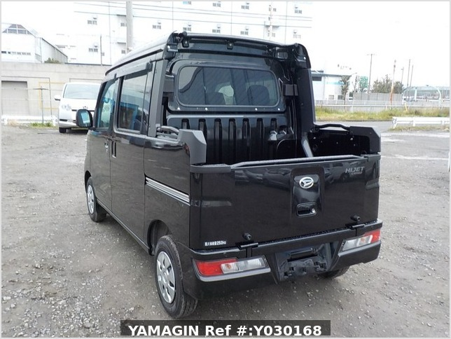 It is a picture of the black daihatsu hijet deck van in 2020,Sub Photo 3 Stock No.Y030168