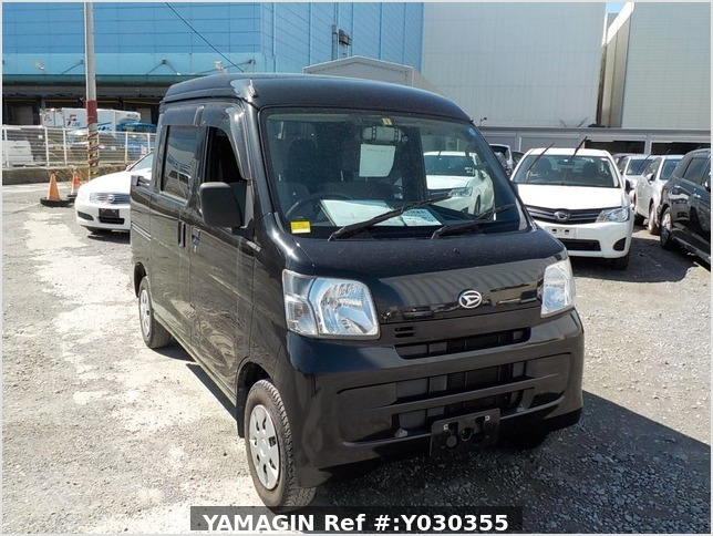 It is a picture of the black daihatsu hijet deck van in 2014,Sub Photo 0 Stock No.Y030355