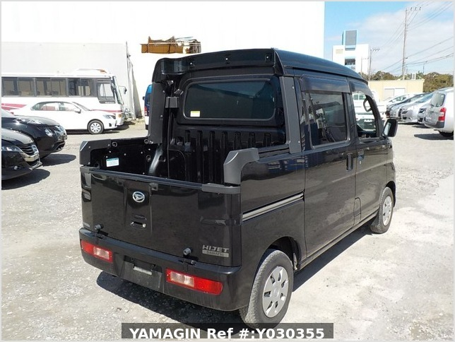 It is a picture of the black daihatsu hijet deck van in 2014,Sub Photo 2 Stock No.Y030355