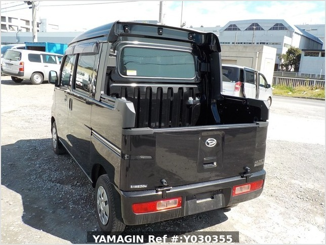 It is a picture of the black daihatsu hijet deck van in 2014,Sub Photo 3 Stock No.Y030355