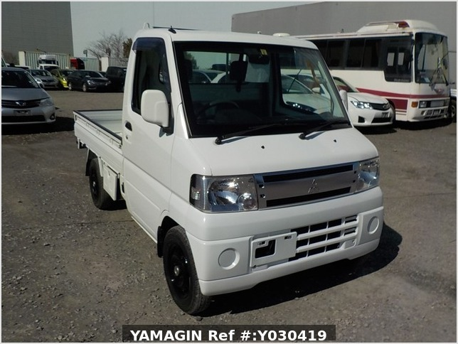 It is a picture of the white mitsubishi minicab truck in 2009,Sub Photo 0 Stock No.Y030419