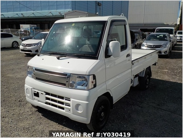 It is a picture of the white mitsubishi minicab truck in 2009,Sub Photo 1 Stock No.Y030419