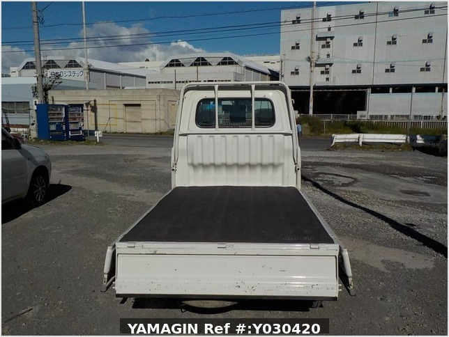 It is a picture of the white daihatsu hijet truck in 1996,Sub Photo 4 Stock No.Y030420