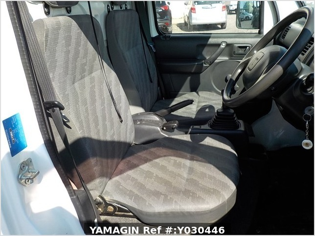 It is a picture of the white suzuki carry dump in 2012,Sub Photo 9 Stock No.Y030446