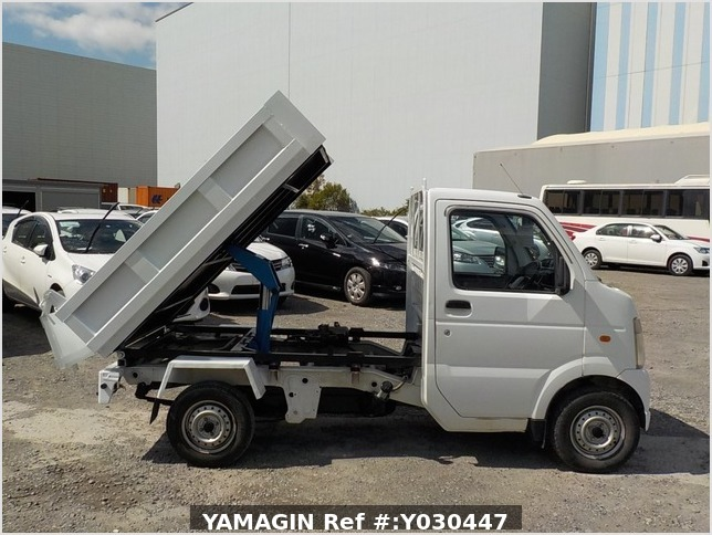 It is a picture of the white suzuki carry dump in 2007,Sub Photo 0 Stock No.Y030447