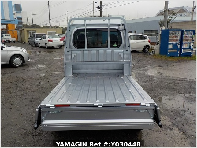 It is a picture of the silver daihatsu hijet jumbo in 2019,Sub Photo 4 Stock No.Y030448