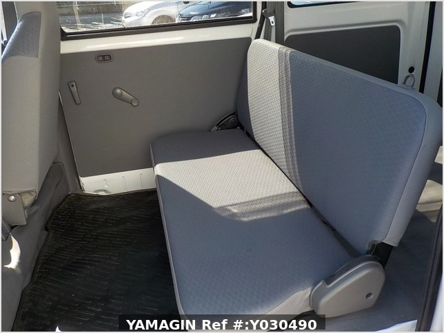 It is a picture of the white mitsubishi minicab passenger van in 2014,Sub Photo 8 Stock No.Y030490