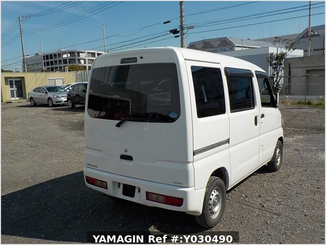 It is a picture of the white mitsubishi minicab passenger van in 2014,Sub Photo 2 Stock No.Y030490