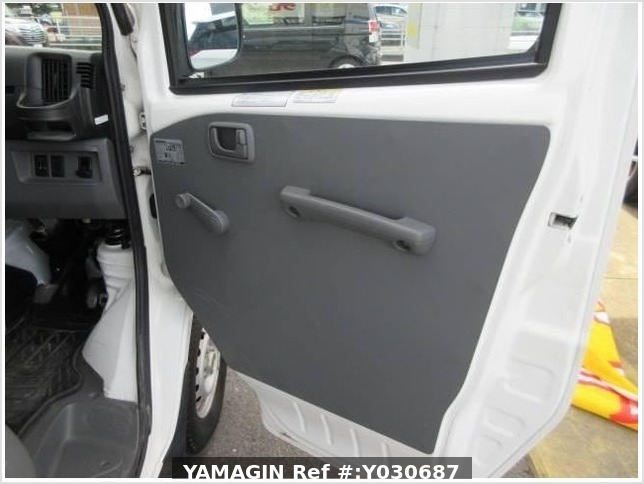 It is a picture of the white mitsubishi minicab truck in 2010,Sub Photo 22 Stock No.Y030687