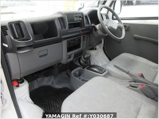 It is a picture of the white mitsubishi minicab truck in 2010,Sub Photo 20 Stock No.Y030687