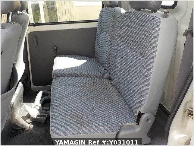 It is a picture of the white daihatsu hijet deck van in 2002,Sub Photo 8 Stock No.Y031011