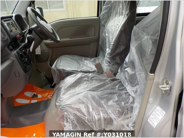 It is a picture of the silver suzuki every passenger van in 2020,Sub Photo 11 Stock No.Y031018