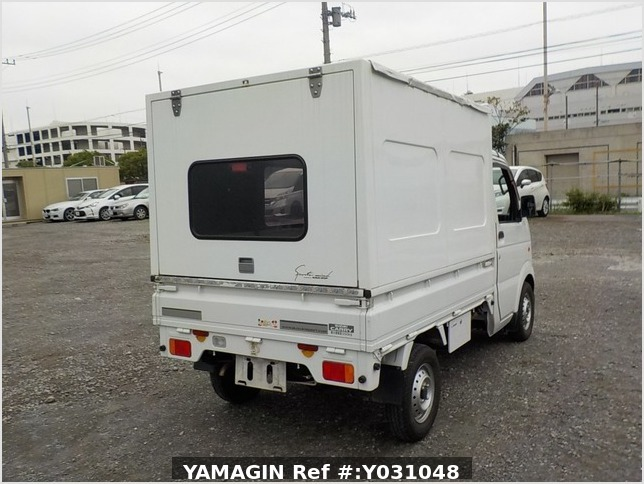 It is a picture of the white suzuki carry truck in 2012,Sub Photo 2 Stock No.Y031048