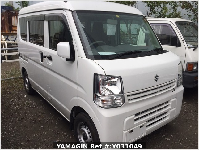 It is a picture of the white suzuki every passenger van in 2019,Sub Photo 13 Stock No.Y031049