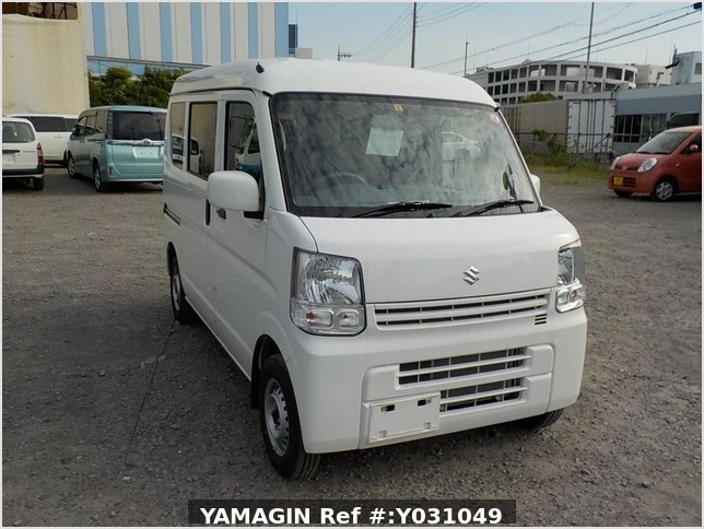 It is a picture of the white suzuki every passenger van in 2019,Sub Photo 0 Stock No.Y031049