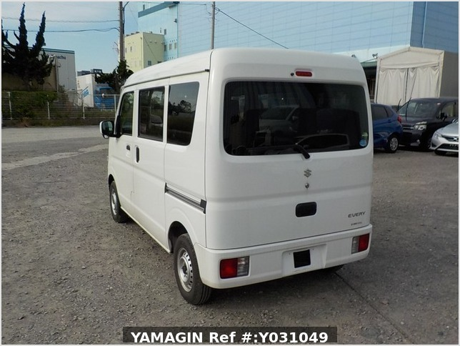 It is a picture of the white suzuki every passenger van in 2019,Sub Photo 3 Stock No.Y031049