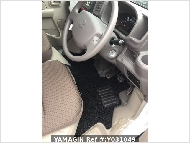 It is a picture of the white suzuki every passenger van in 2019,Sub Photo 17 Stock No.Y031049