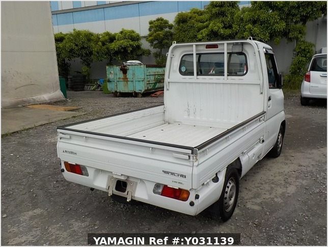 It is a picture of the white mitsubishi minicab truck in 1999,Sub Photo 2 Stock No.Y031139