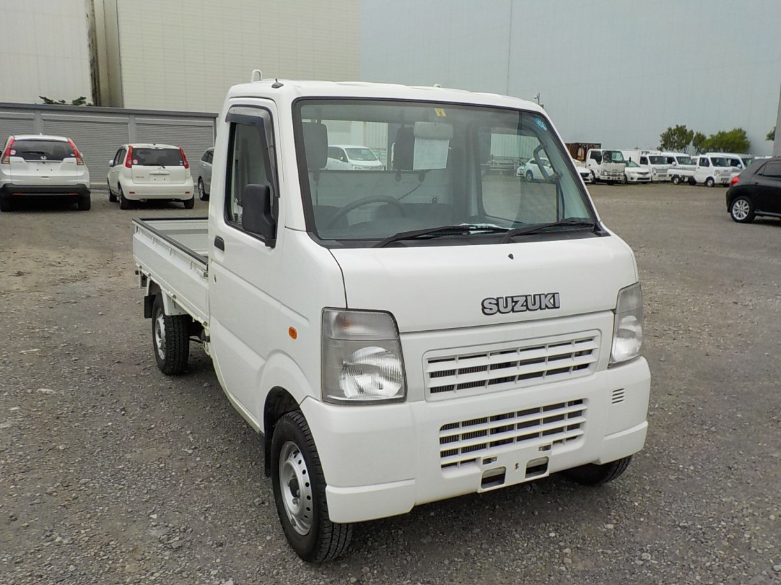 It is a picture of the white suzuki carry truck in 2008,First Photo Stock No.Y031159