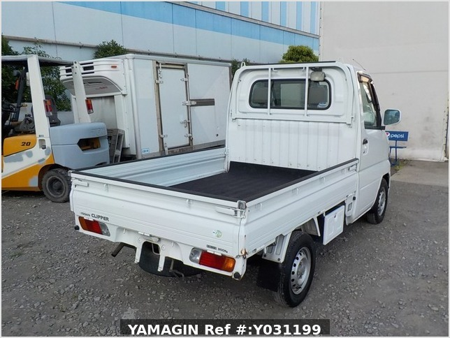 It is a picture of the white nissan clipper truck in 2003,Sub Photo 3 Stock No.Y031199
