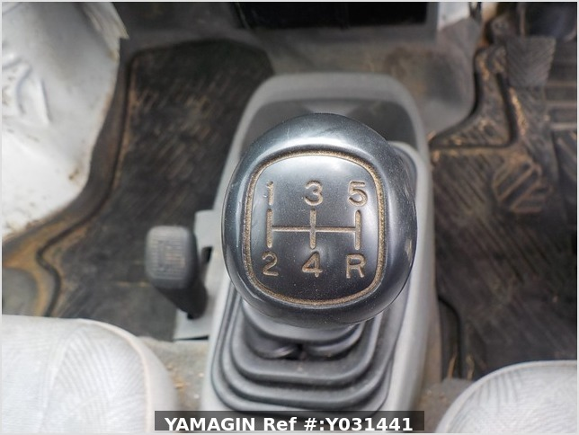 It is a picture of the white mitsubishi minicab dump in 2006,Sub Photo 8 Stock No.Y031441