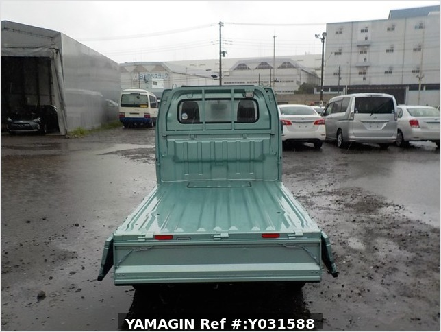 It is a picture of the green suzuki carry truck in 2019,Sub Photo 4 Stock No.Y031588