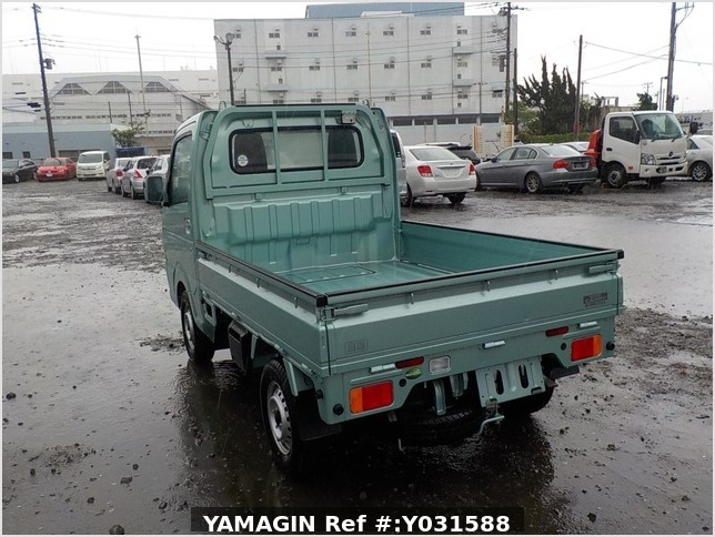 It is a picture of the green suzuki carry truck in 2019,Sub Photo 3 Stock No.Y031588