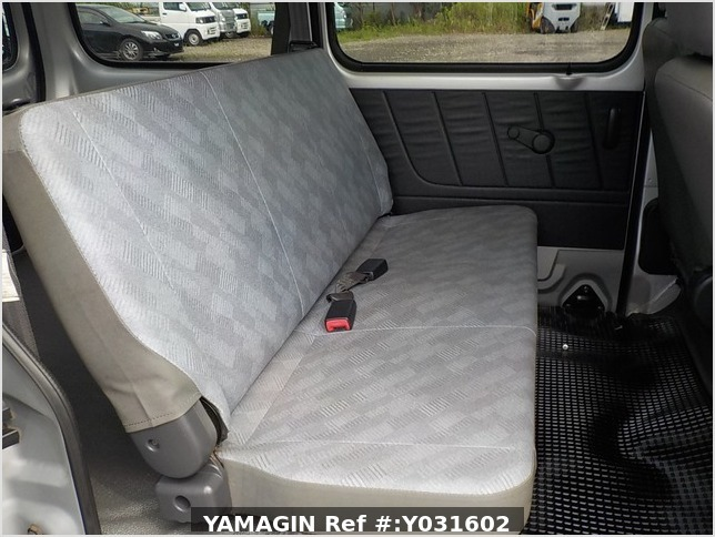 It is a picture of the silver suzuki every passenger van in 2004,Sub Photo 6 Stock No.Y031602