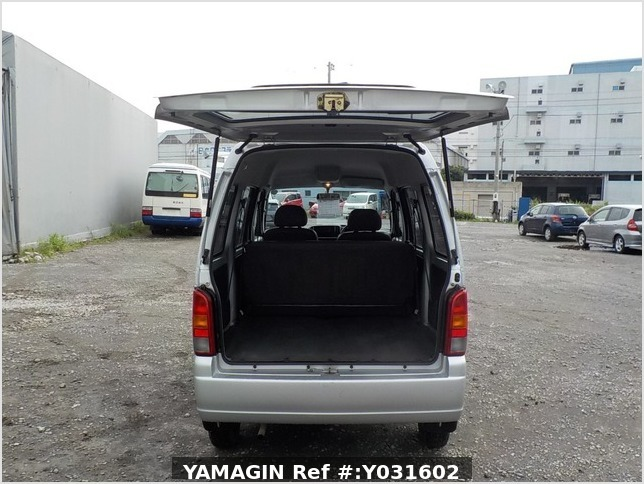 It is a picture of the silver suzuki every passenger van in 2004,Sub Photo 4 Stock No.Y031602