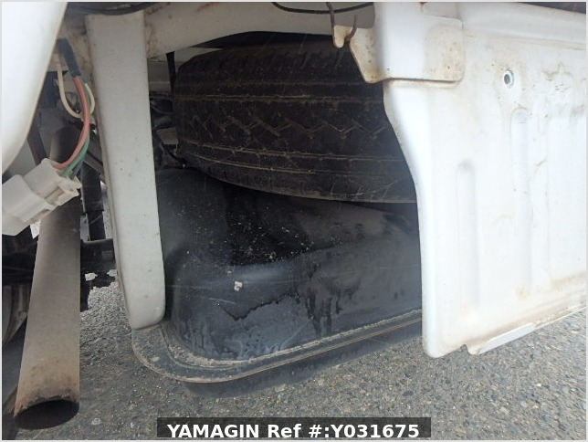 It is a picture of the white suzuki carry truck in 1993,Sub Photo 12 Stock No.Y031675