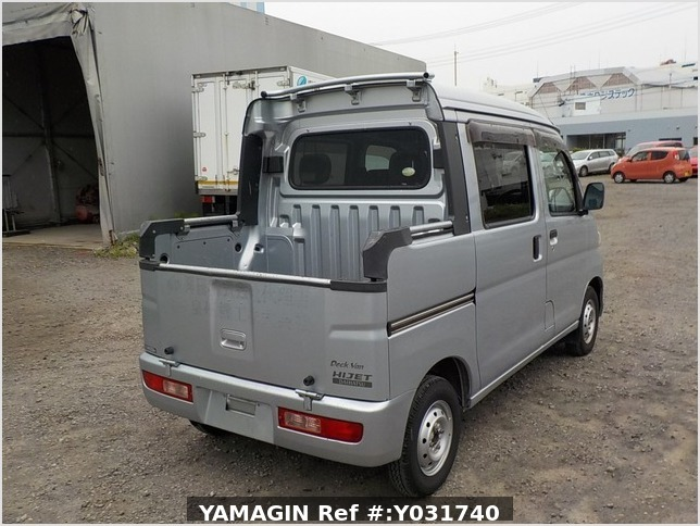 It is a picture of the silver daihatsu hijet deck van in 2011,Sub Photo 2 Stock No.Y031740