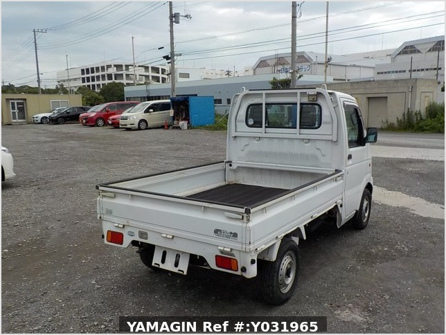It is a picture of the white suzuki carry  truck in 2002,Sub Photo 2 Stock No.Y031965