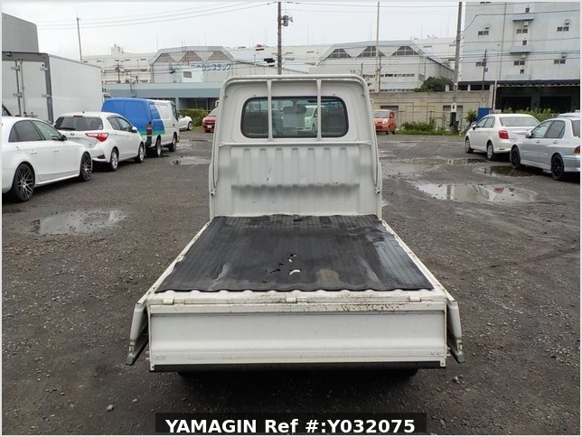 It is a picture of the white daihatsu hijet truck in 1998,Sub Photo 4 Stock No.Y032075