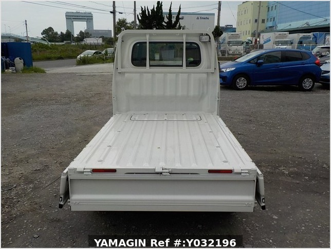 It is a picture of the white daihatsu hijet truck in 2019,Sub Photo 4 Stock No.Y032196