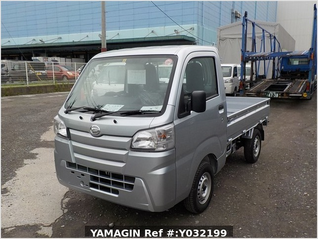 It is a picture of the silver daihatsu hijet truck in 2019,Sub Photo 1 Stock No.Y032199