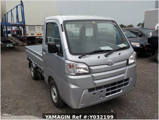 It is a picture of the silver daihatsu hijet truck in 2019,Sub Photo 0 Stock No.Y032199