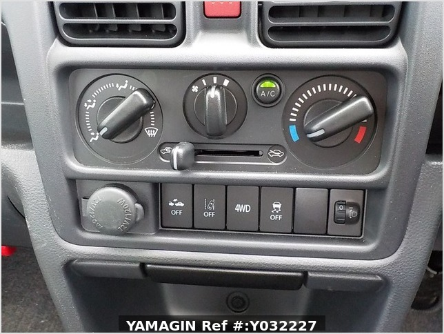 It is a picture of the navy blue suzuki carry truck in 2019,Sub Photo 9 Stock No.Y032227